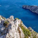 Découvrez les calanques de Cassis avec RRL chauffeur privé à Marseille
